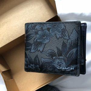 Coach Men's 3-in-1 Hawaiian print wallet 🌺
